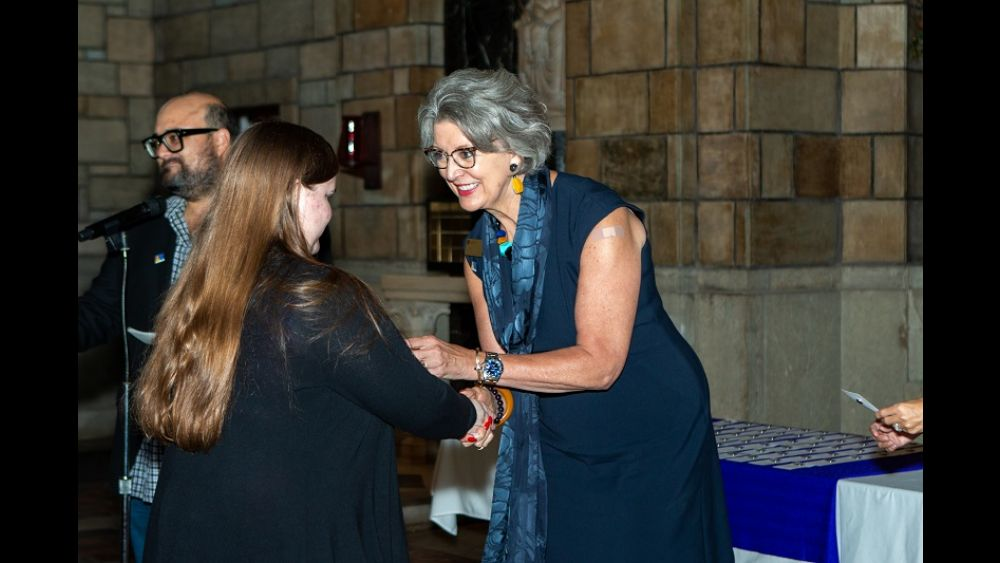 President Roloff welcomes new Honors student