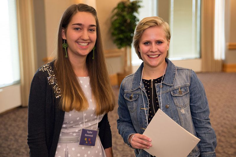 Two Antonian Honors students from St. Kate's
